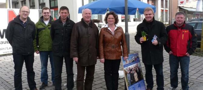Wahl-Infostand der Jungbürger-Unabhängigen Rain in der Hauptstrasse