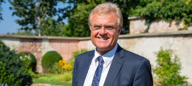Rains 3. Bürgermeister Hans Hafner kandidiert für das Amt des 1. Bürgermeisters in der Blumenstadt